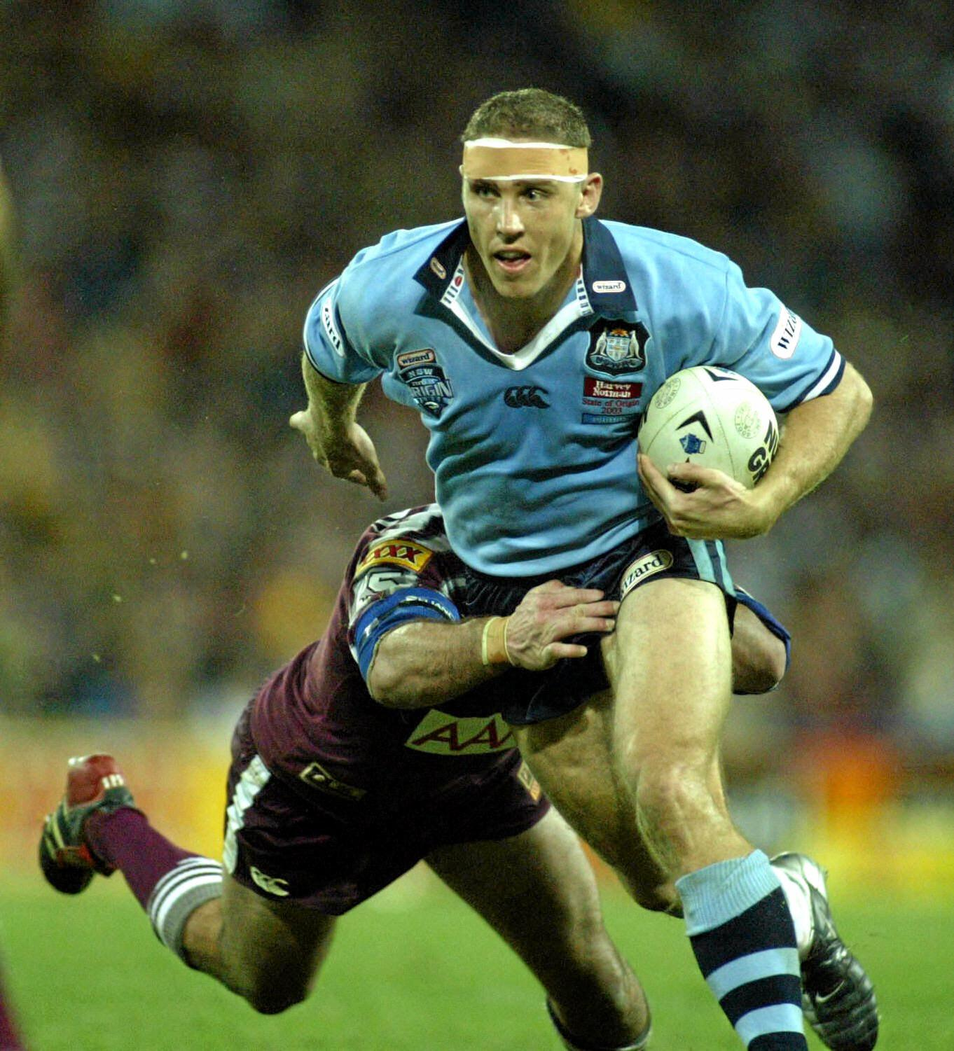 JUNE 11, 2003 : Michael De Vere during Game One of State of Origin RL match at Suncorp Stadium in Brisbane 11/06/03. Pic Mark Evans.Rugby League A/CT