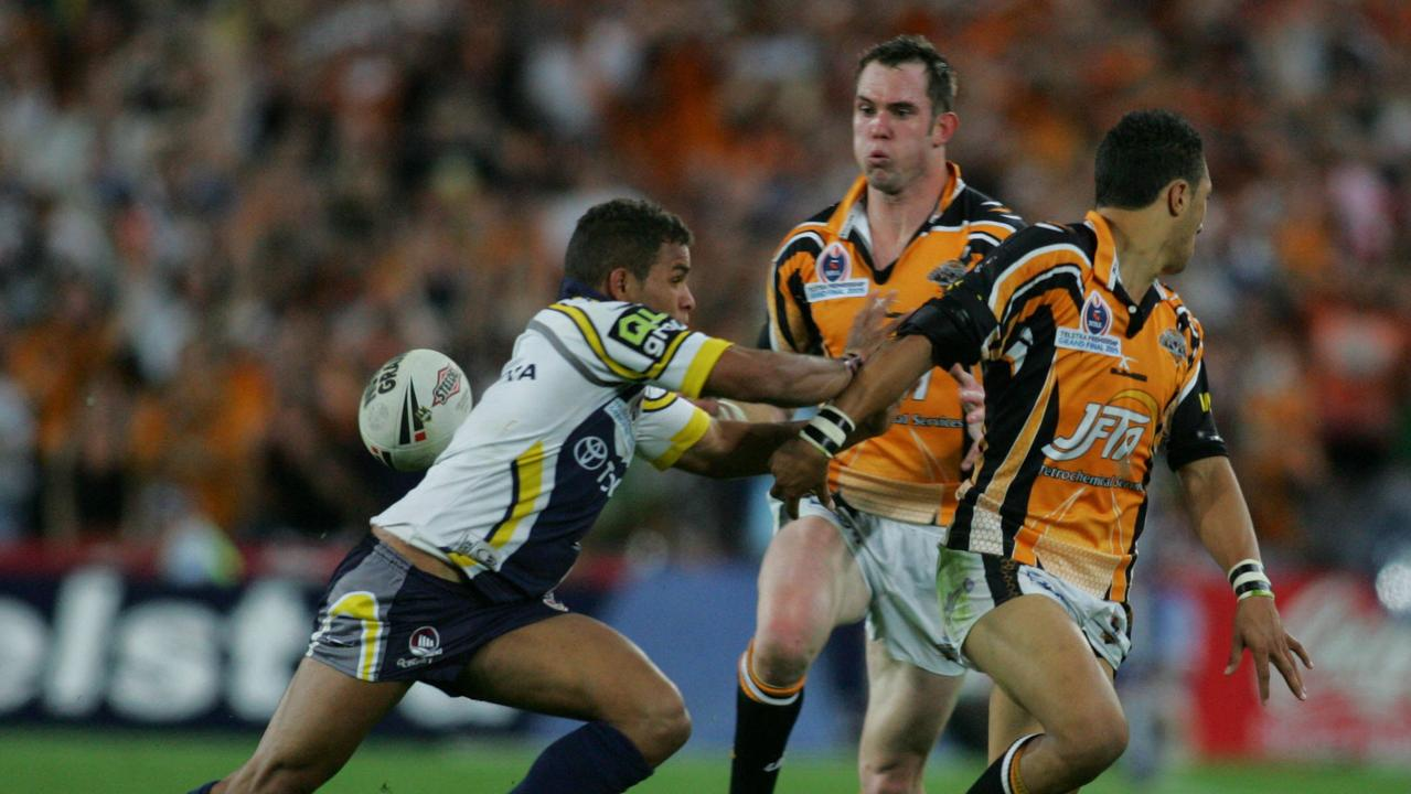 Benji Marshall's brilliant flick pass to Pat Richards lit up the 2005 NRL grand final.
