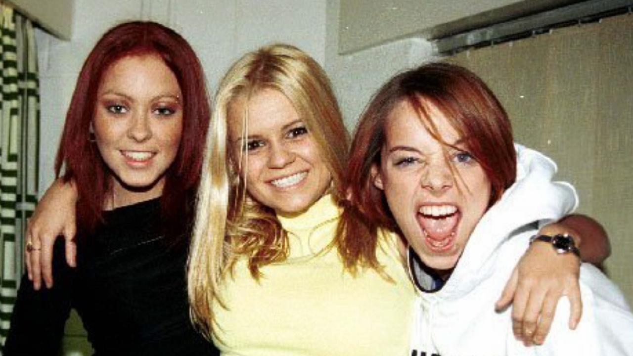 Katona (centre) with the other members of Atomic Kitten.