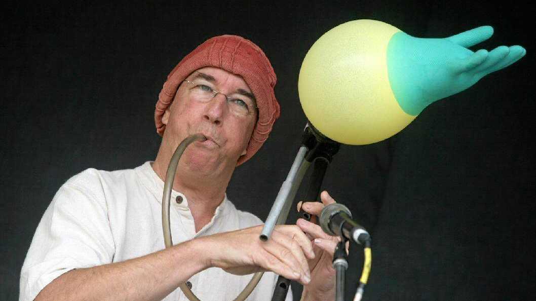 WOW FACTOR: Linsey Pollak performing instrument-bending magic.