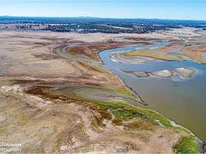 Photographer snaps regional dams running dry