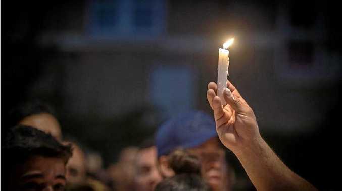 Vigil shows support for refugees