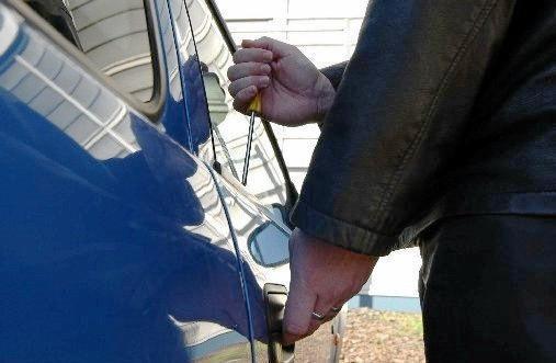 Police seek help finding car thieves