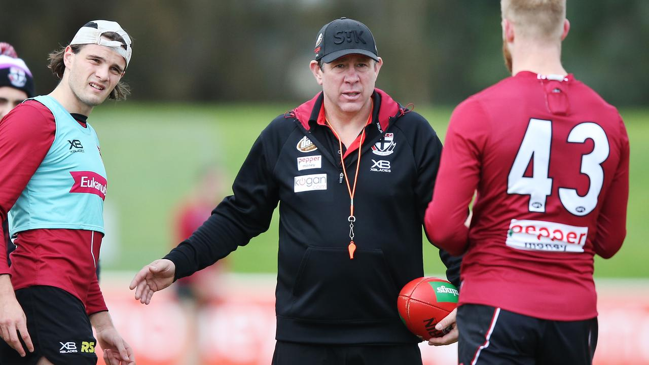 Interim coach Brett Ratten takes charge of St Kilda training. Picture: Getty Images