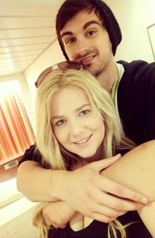 Cassie Sainsbury and her former fiance Scott Broadbridge. Picture: Facebook