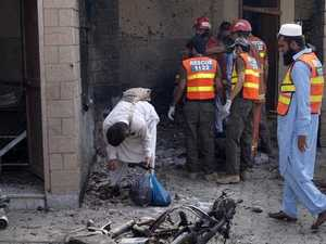 Gunmen and bomber kill seven in Pakistan