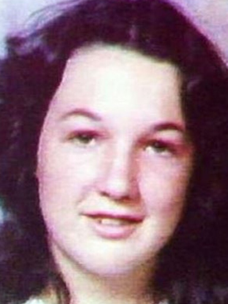 19 year old shop assistant Kim Barry murdered by Graham Gene Potter, 23.