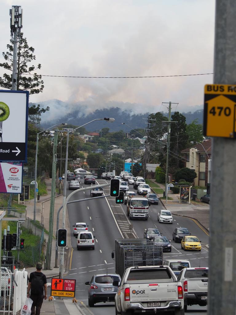 Smoke from the Mt Coot-tha fire. Picture: Rhett Kleine