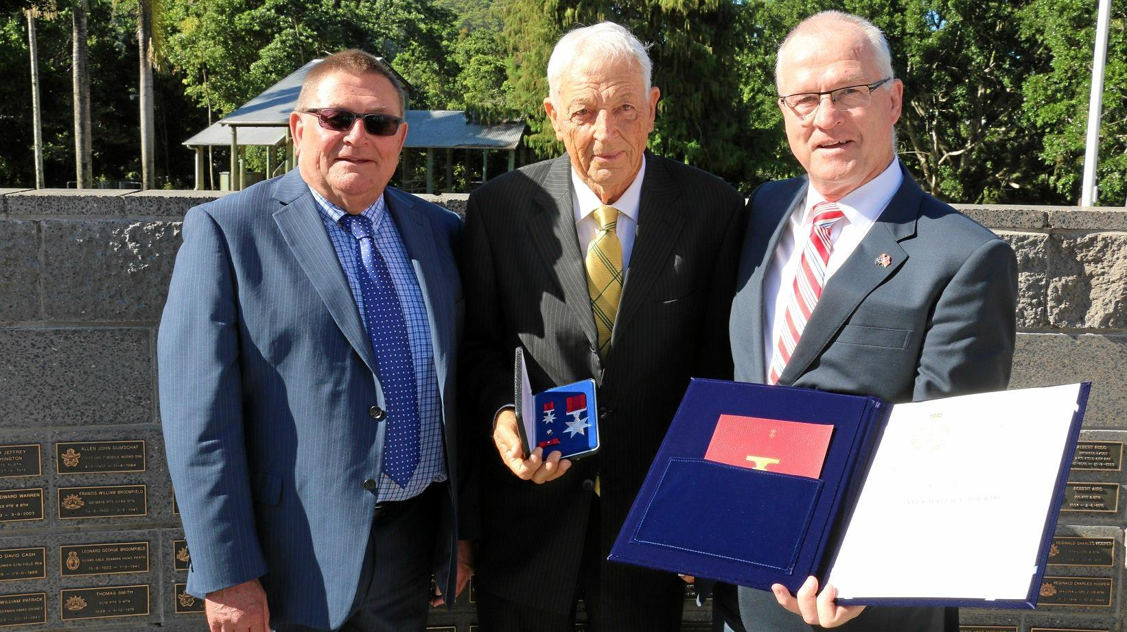 Cr Mike Cornwell, from Fenland District Council in England, Alan Hocking and Mayor Mark Jamieson.