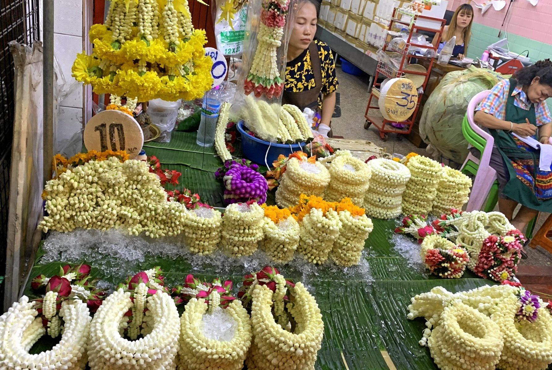 THAI FLOWERS: Bangkok market.