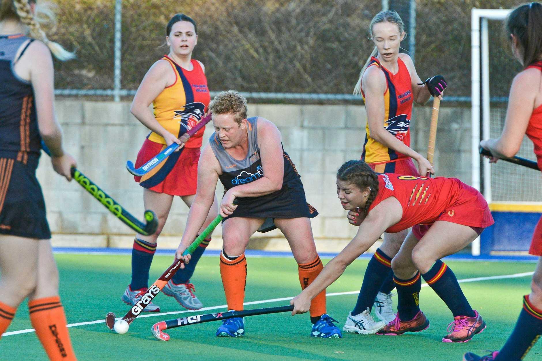 Meteors Rachel Wilkinson.A1 Womans hockey - Meteors vs Park Avenue Brothers.