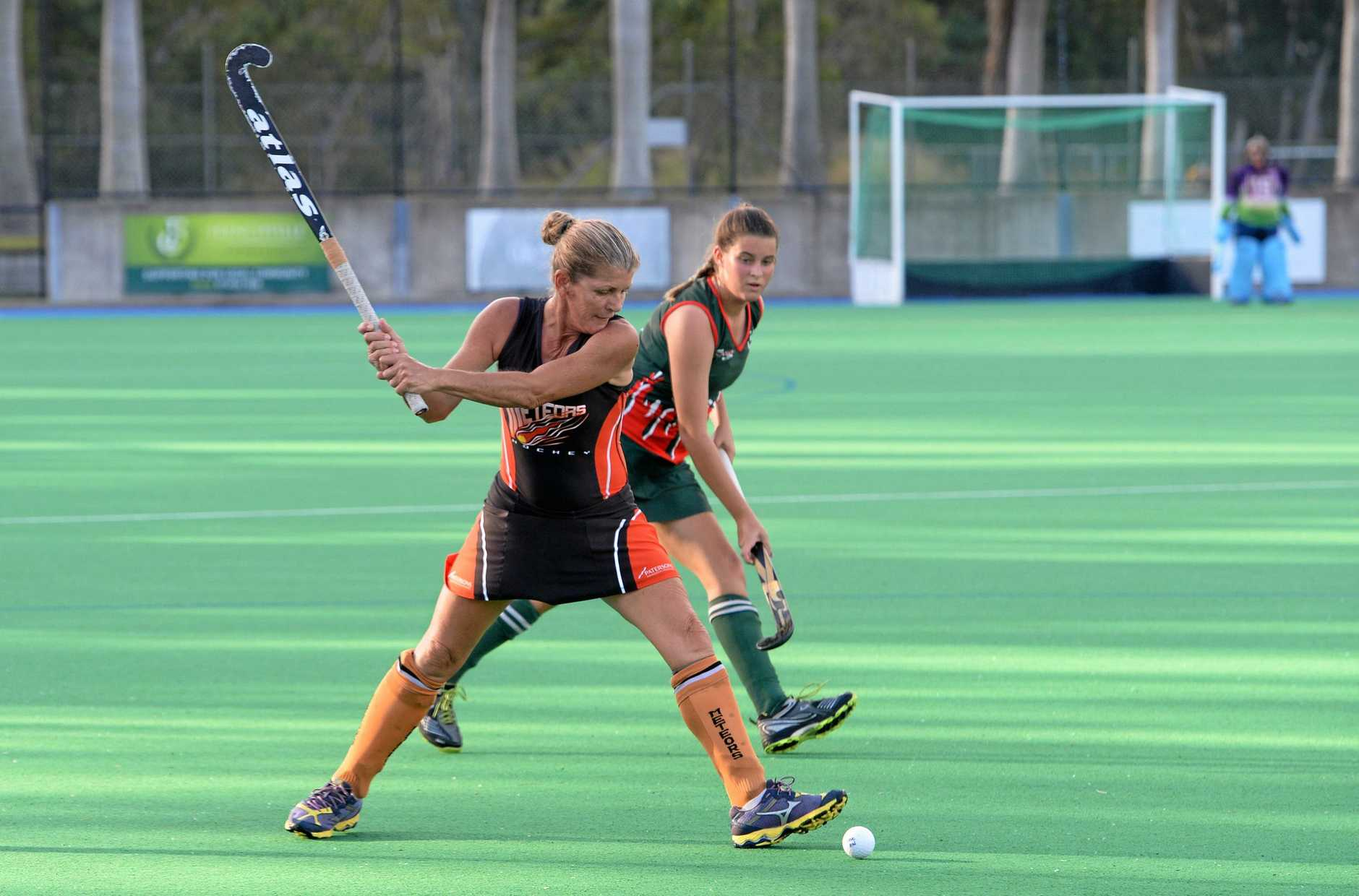 Meteors player Sue Rayner playing in the Women's A grade hockey game between Frenchville and Meteors at Kalka Shades on Saturday evening.  Photo: Chris Ison / The Morning Bulletin