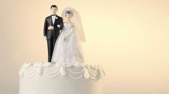 Wedding suppliers rally after shock business closure