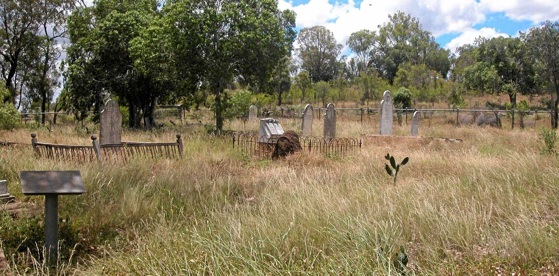 The Cumkillenbar Cemetery is difficult to find. It was located behind a hill from the old station homestead. On the left is a plaque with names of many buried there.