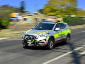 Quick-thinking paramedic puts out fire on back of ute