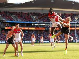Giants boost finals prospects with narrow win over Swans