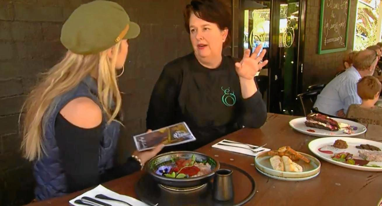 The Darling Downs featured on Queensland Weekender. Presenter Liz Cantor chatting to Amanda Hinds from Emeraude.