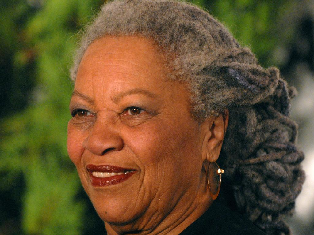 Toni Morrison arrives at the 2007 Glamour Magazine