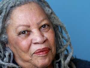 Oprah tweets about Beloved author's death