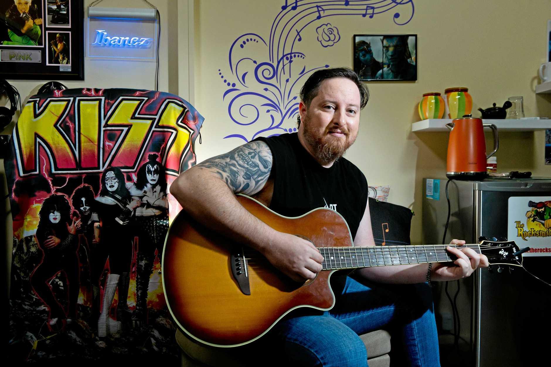 Mackay musician Luke Miller has released a new video called Letting Go.