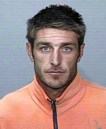 Wanted on warrant - Romeo le Thorn
