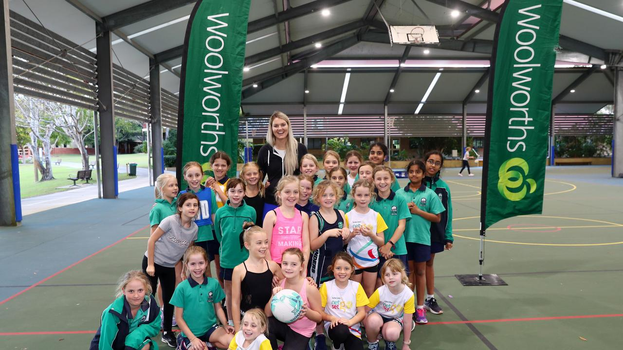 Gretel Tippett with the Flinders Netball Club For The You Grow Girl Campaign.