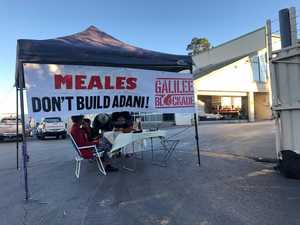 Anti-Adani 'cake stall' blocks work site