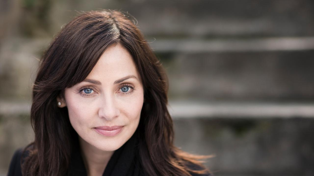 Natalie Imbruglia.
