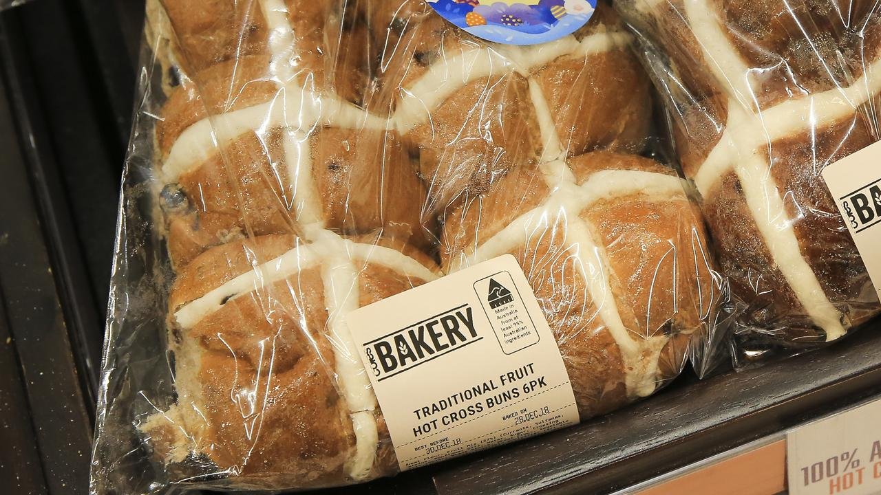 Hot Cross Buns on sale at Coles Broadway. Picture: Dylan Robinson