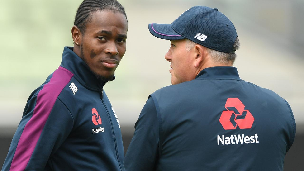 Jofra Archer meets up with England bowling coach Chris Silverwood.
