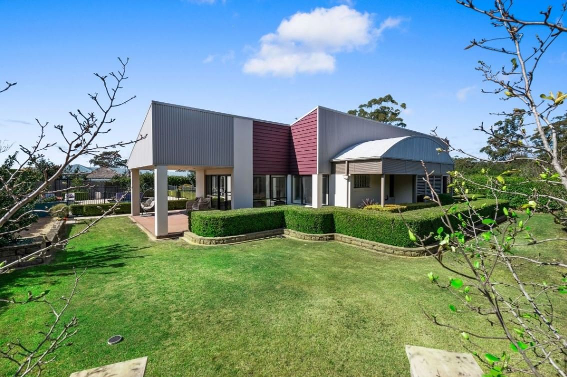 30 McLachlan Dr, Highfields, is for sale.