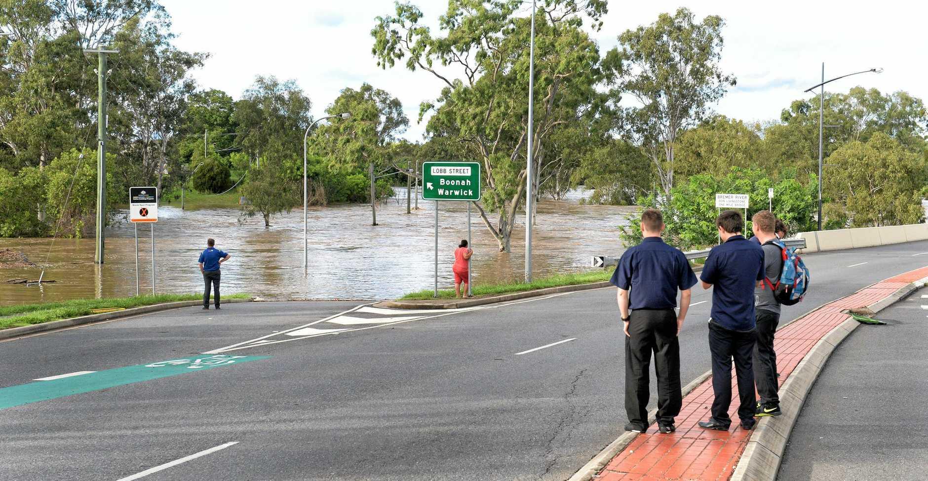 Flooding in Ipswich. One Mile Bridge.