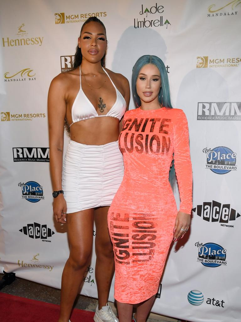 Liz Cambage (L) of the Las Vegas Aces and rapper Iggy Azalea attend the WNBA All-Star Game 2019 beach concert at the Mandalay Bay Resort and Casino in Las Vegas. Picture: Ethan Miller/Getty Images