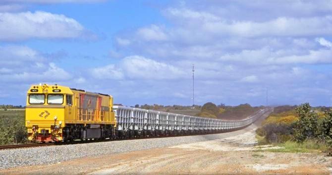 Aurizon train
