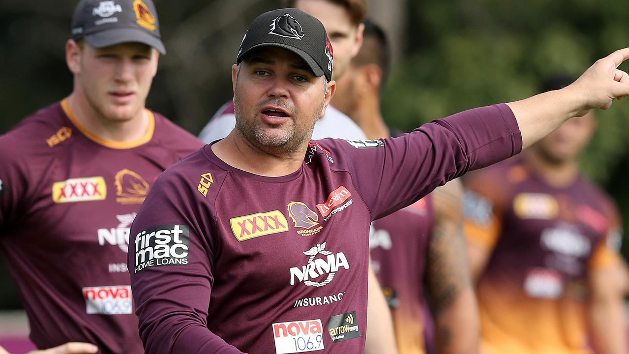 Coach Anthony Seibold talks to his team during a Brisbane Broncos training session in Brisbane, Wednesday August 14, 2019. (AAP Image/Jono Searle) NO ARCHIVING