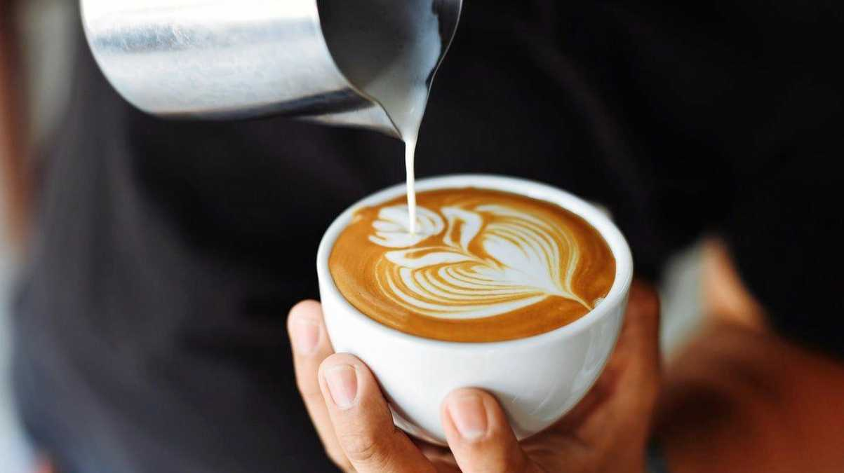 A court has heard a man allegedly sold coffees to other backpackers after breaking his arm and being unable to work.