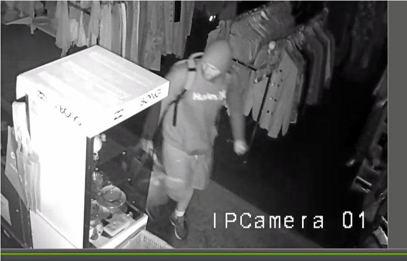 Thief stealing from Gympie RSPCA Op Shop