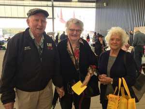 Howard and Shirley Everett with Daphne Muraro at the