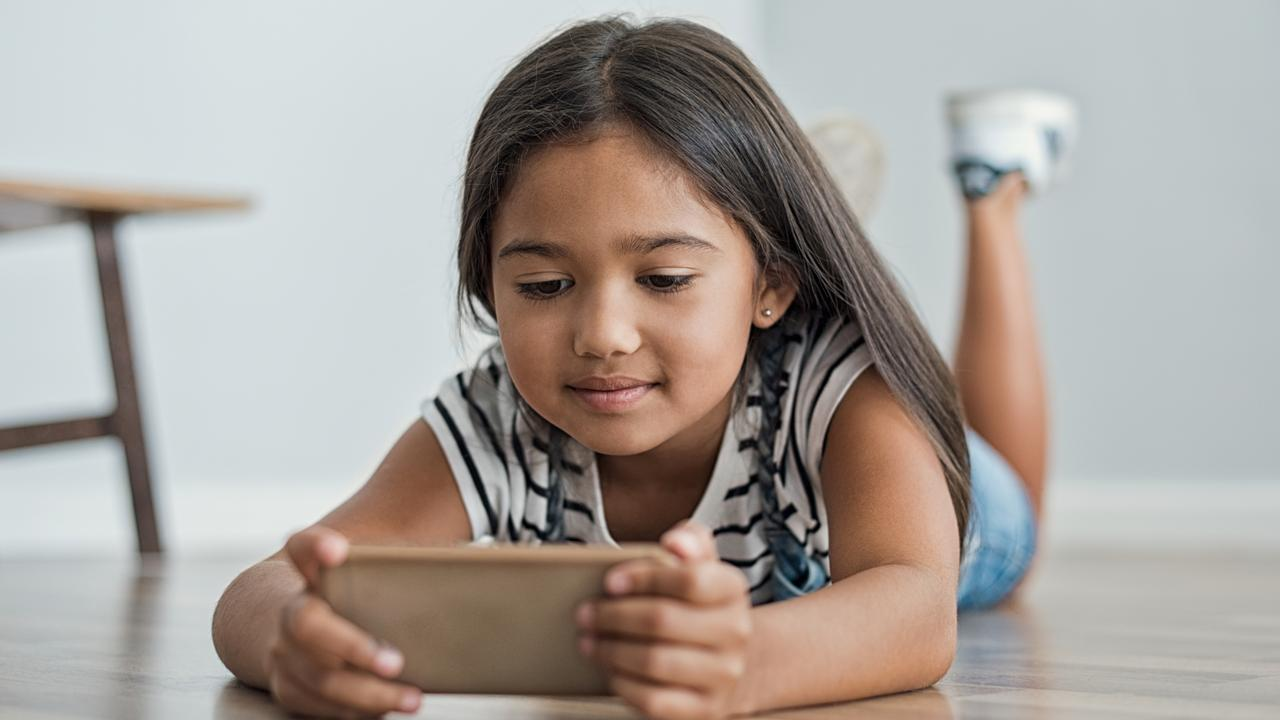 There's a huge difference between healthy and unhealthy phone use among children. Picture: istock