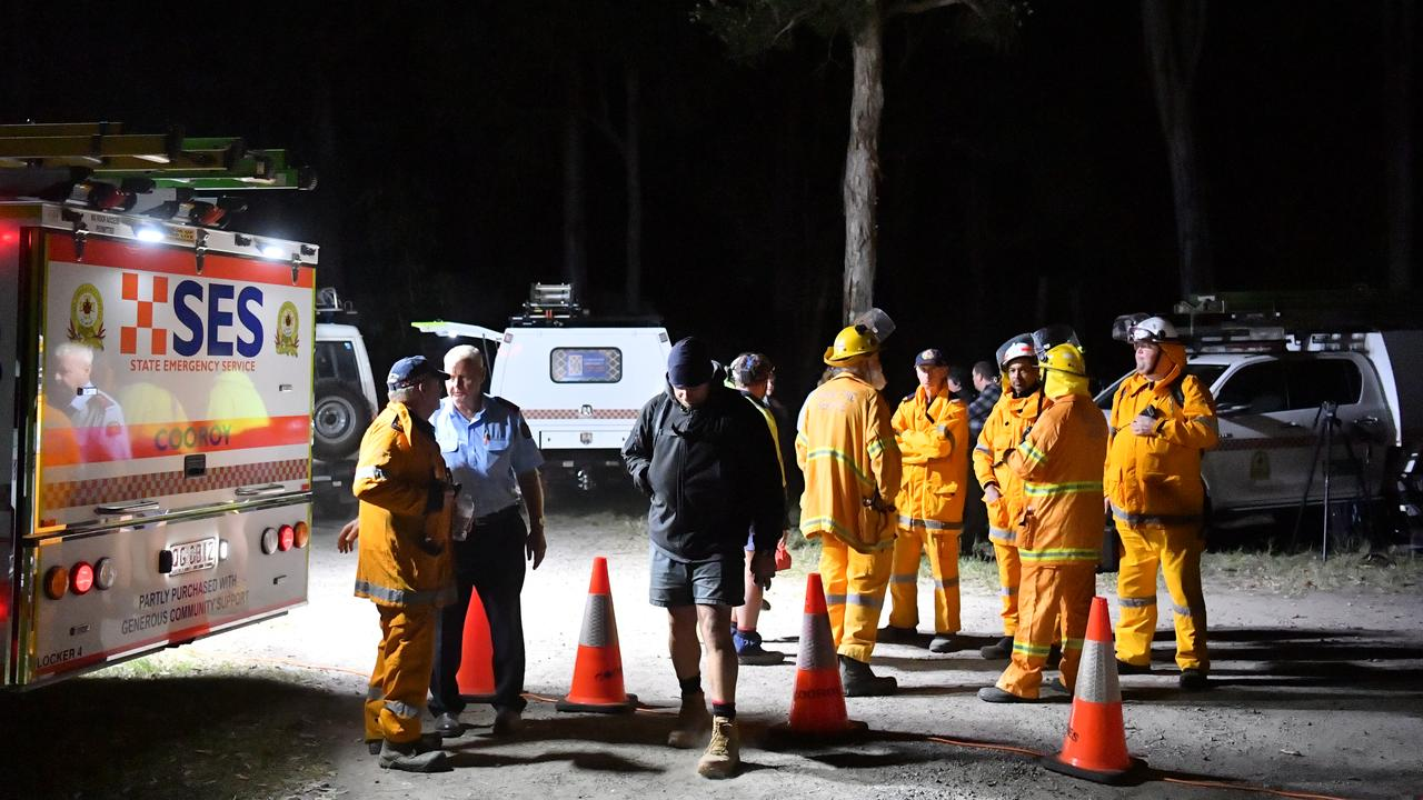 About 200 volunteers, police and SES scoured the area until 9.30pm. Picture: John McCutcheon