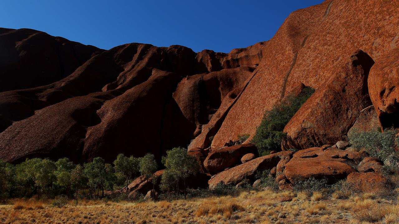 A view of the entrance to the Mala Walk trail at Uluru. (PHOTO BY LISA MAREE WILLIAMS/GETTY IMAGES)