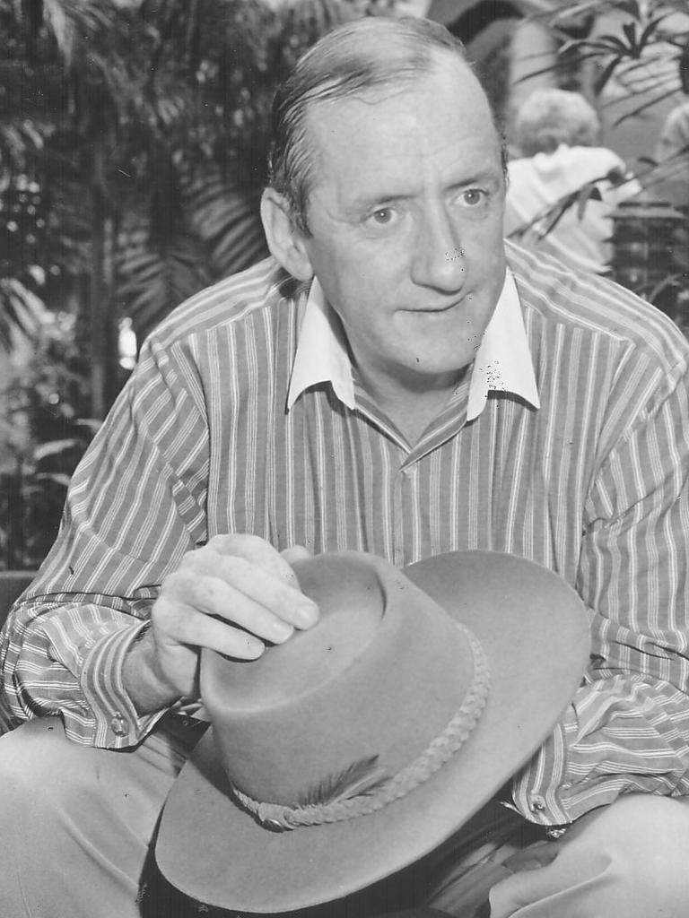Tim Fischer with his Akubra hat in 1991.