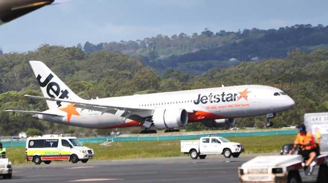 Three hospitalised after Jetstar plane leaks fumes