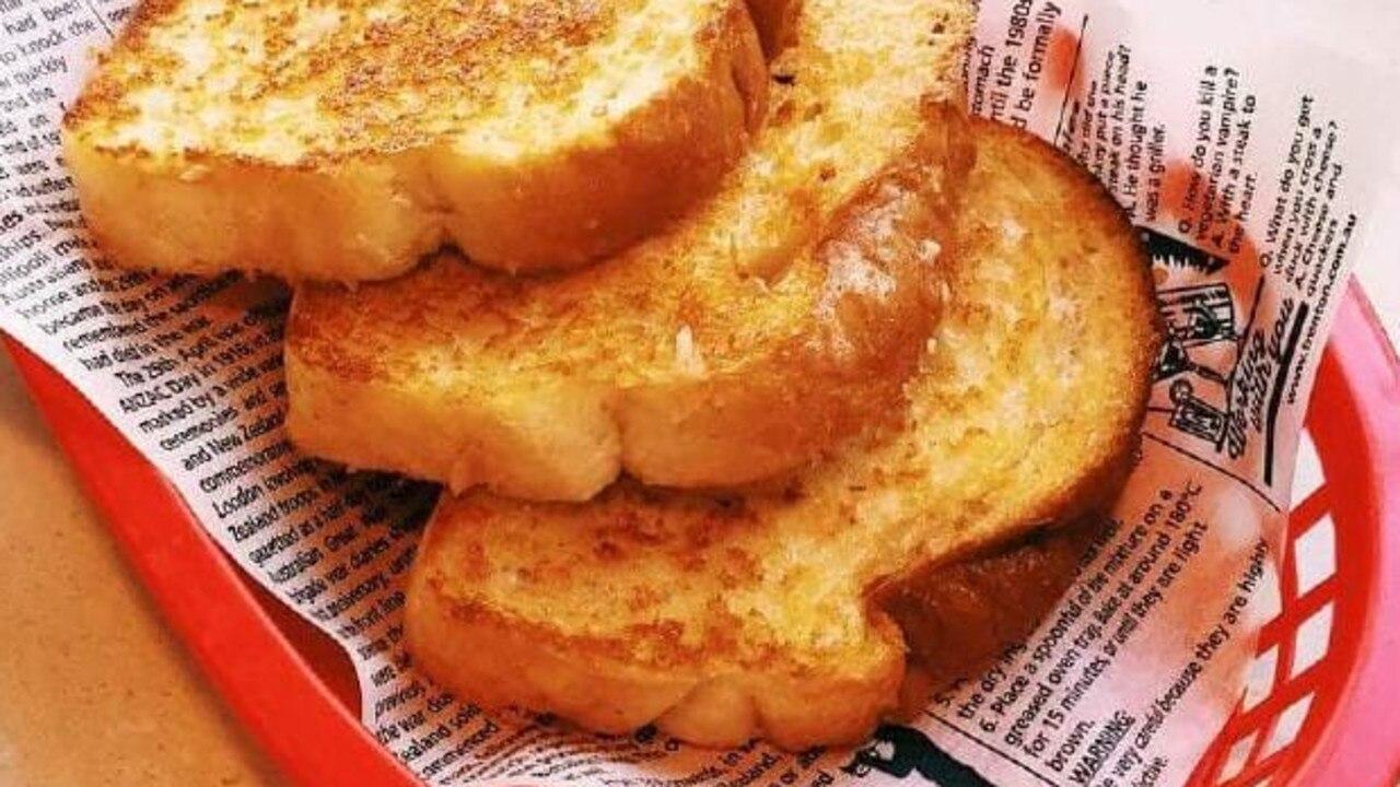 Sizzler's cheese toast. Picture: Achieving Euphoria/Instagram