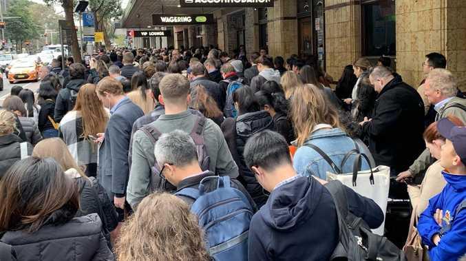 Train breakdown causes commuter chaos in Sydney