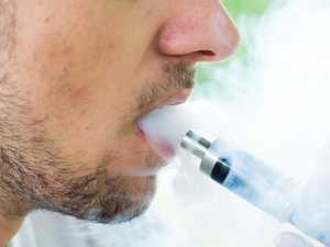 Man dies from vaping in 'world first'