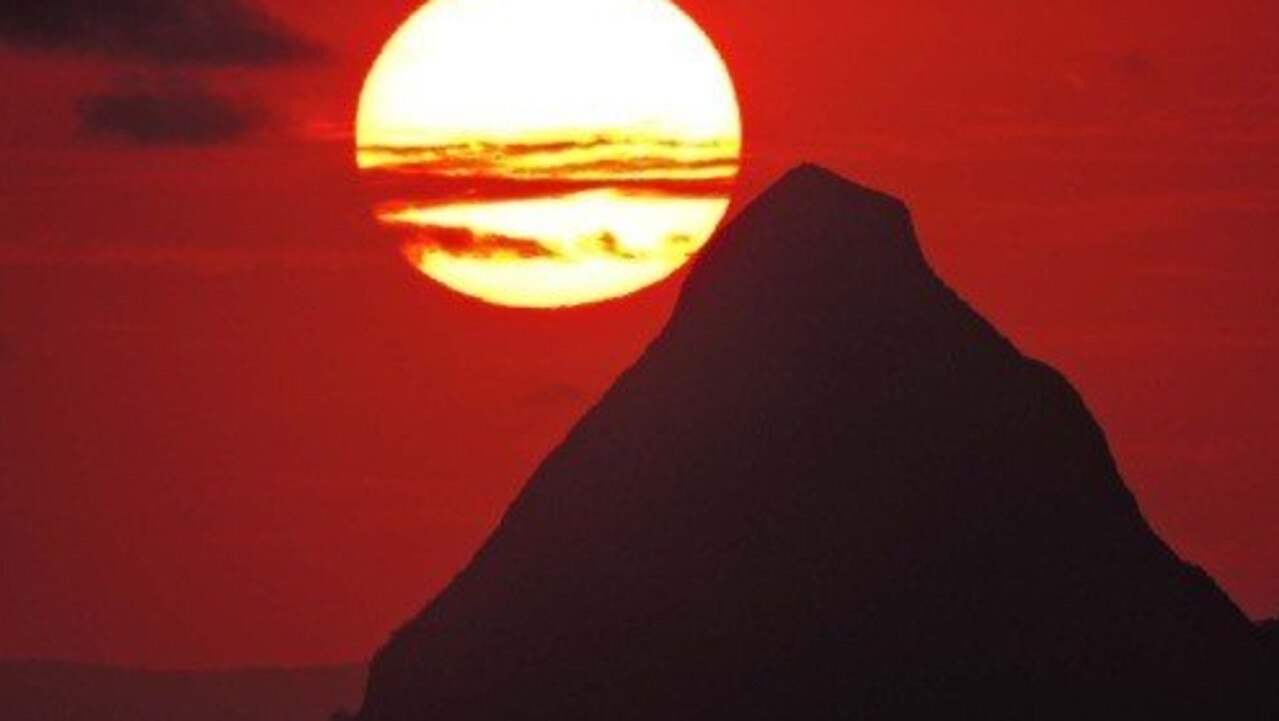 Rescuers have been called to help three climbers stuck on Mt Beerwah.