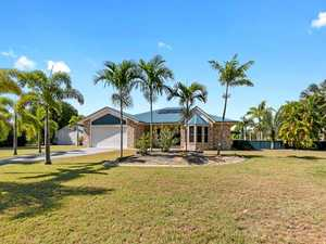 Beach-side house snags top property price