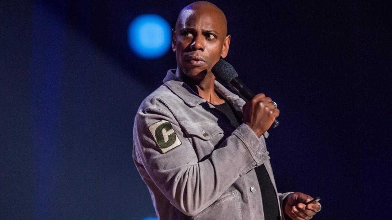 Comedian Dave Chappelle has upset viewers with a joke about Michael Jackson's accusers.