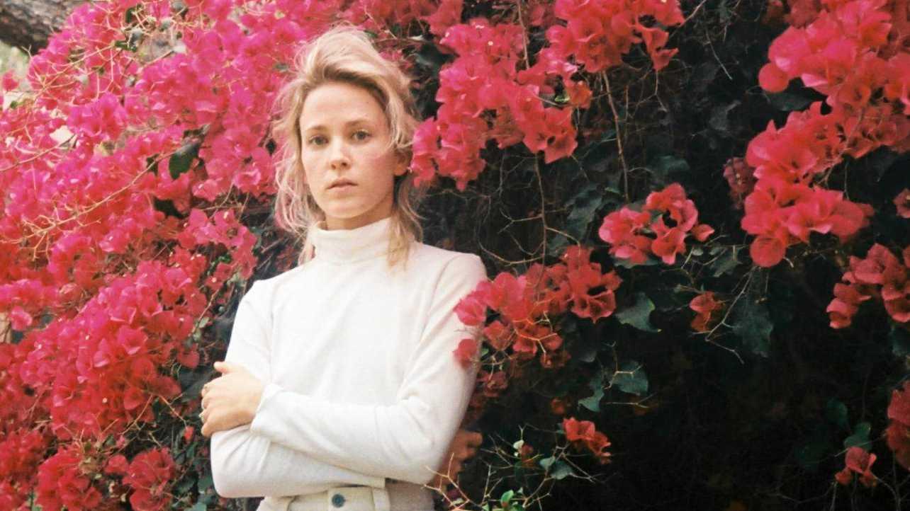 HITS: Indie pop singer- songwriter Emma Louise.
